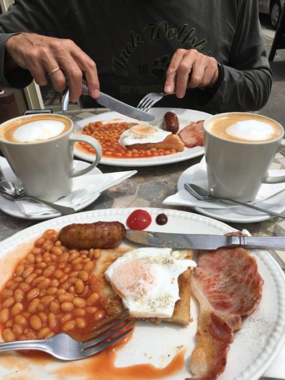 Englisches Frühstück in der Nähe von Brighton