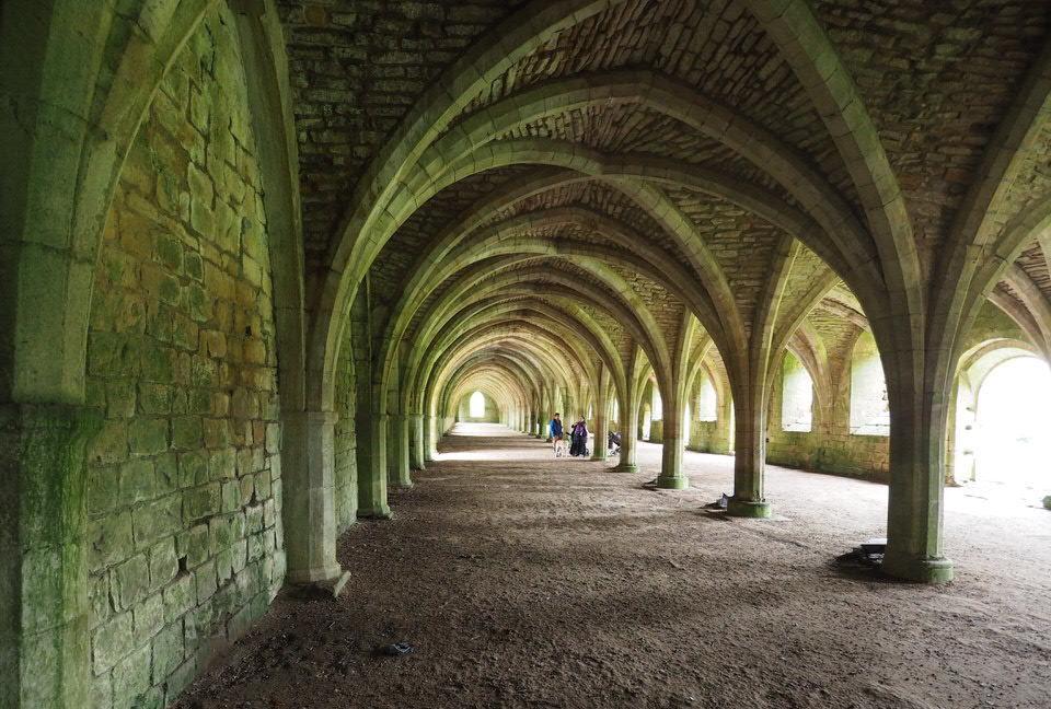 Cellarium (Speisekammer) in Fountains Abbey