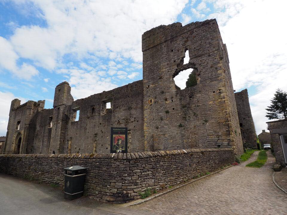 Torhaus vom Middleham Castle