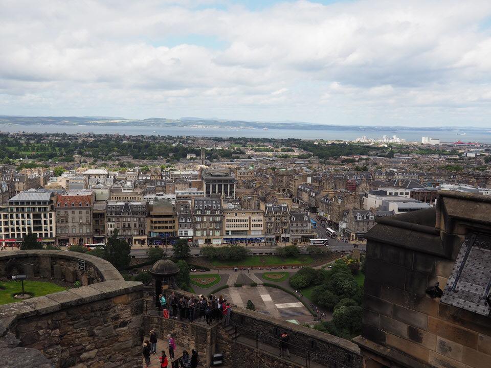 Blick auf Edinburgh vom Castle
