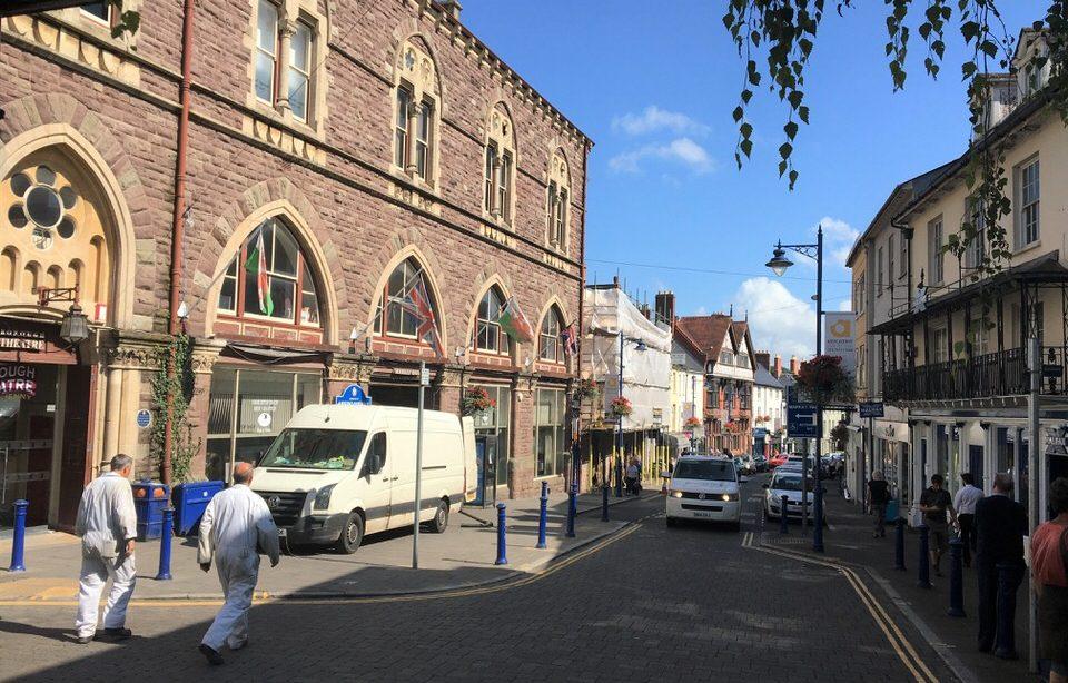 Strassenbummel in Abergavenny