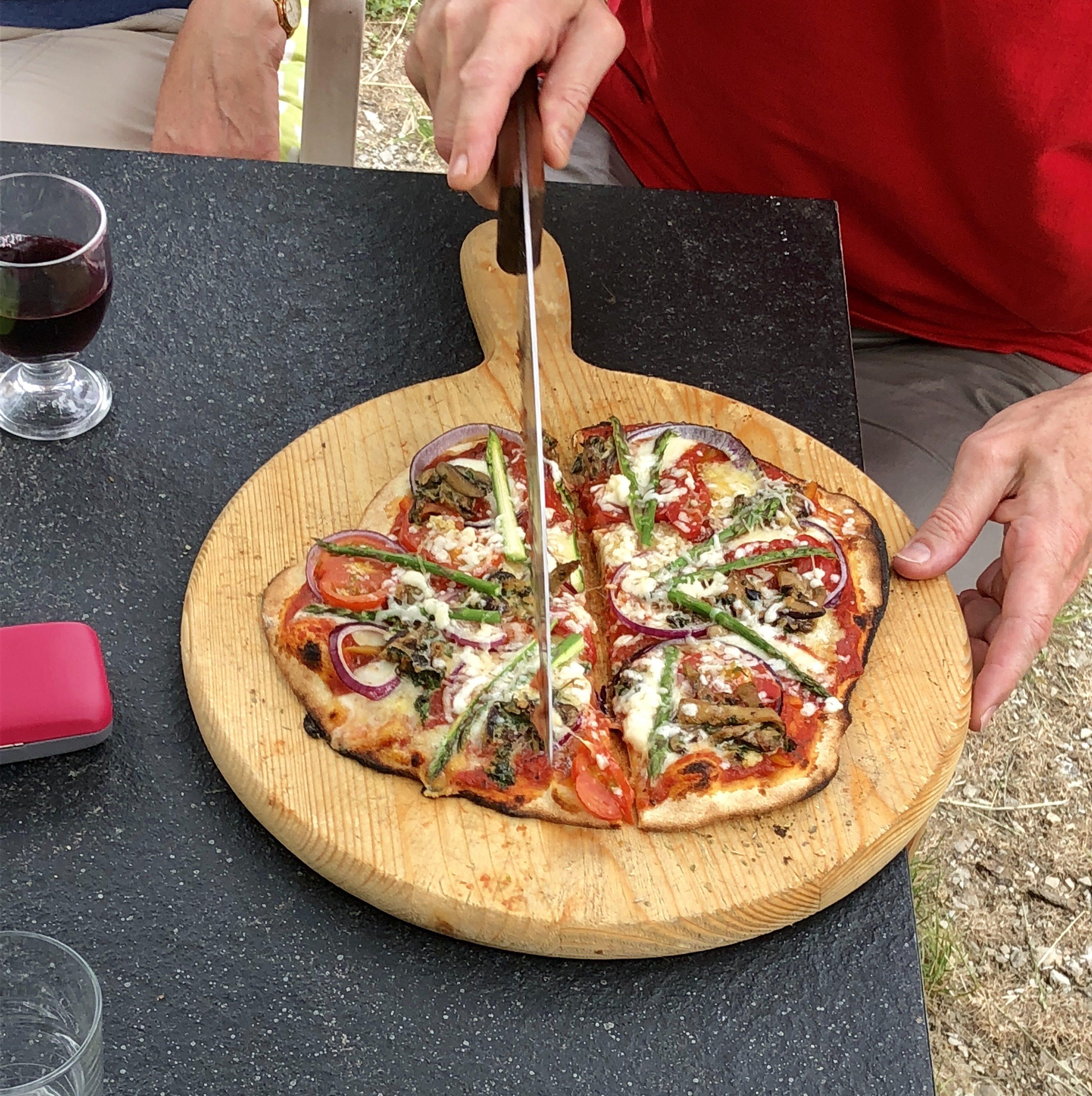 Pizza satt selbst gemacht