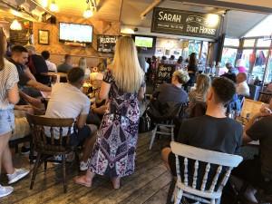Englands WM-Spiel im Pub in Wallingford