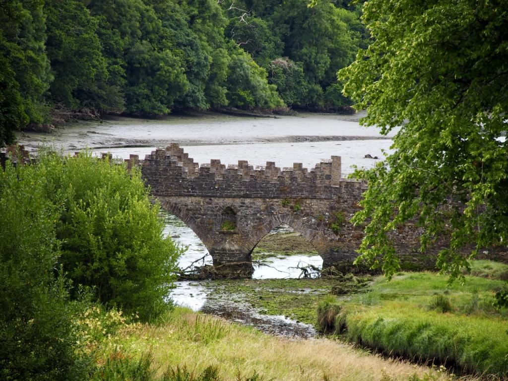 Brücke im Park der Tintern Abbey