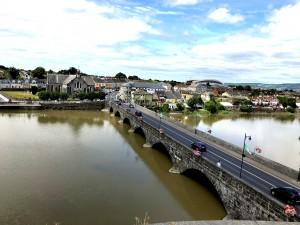 Blick von King John's Castle über den Shannon