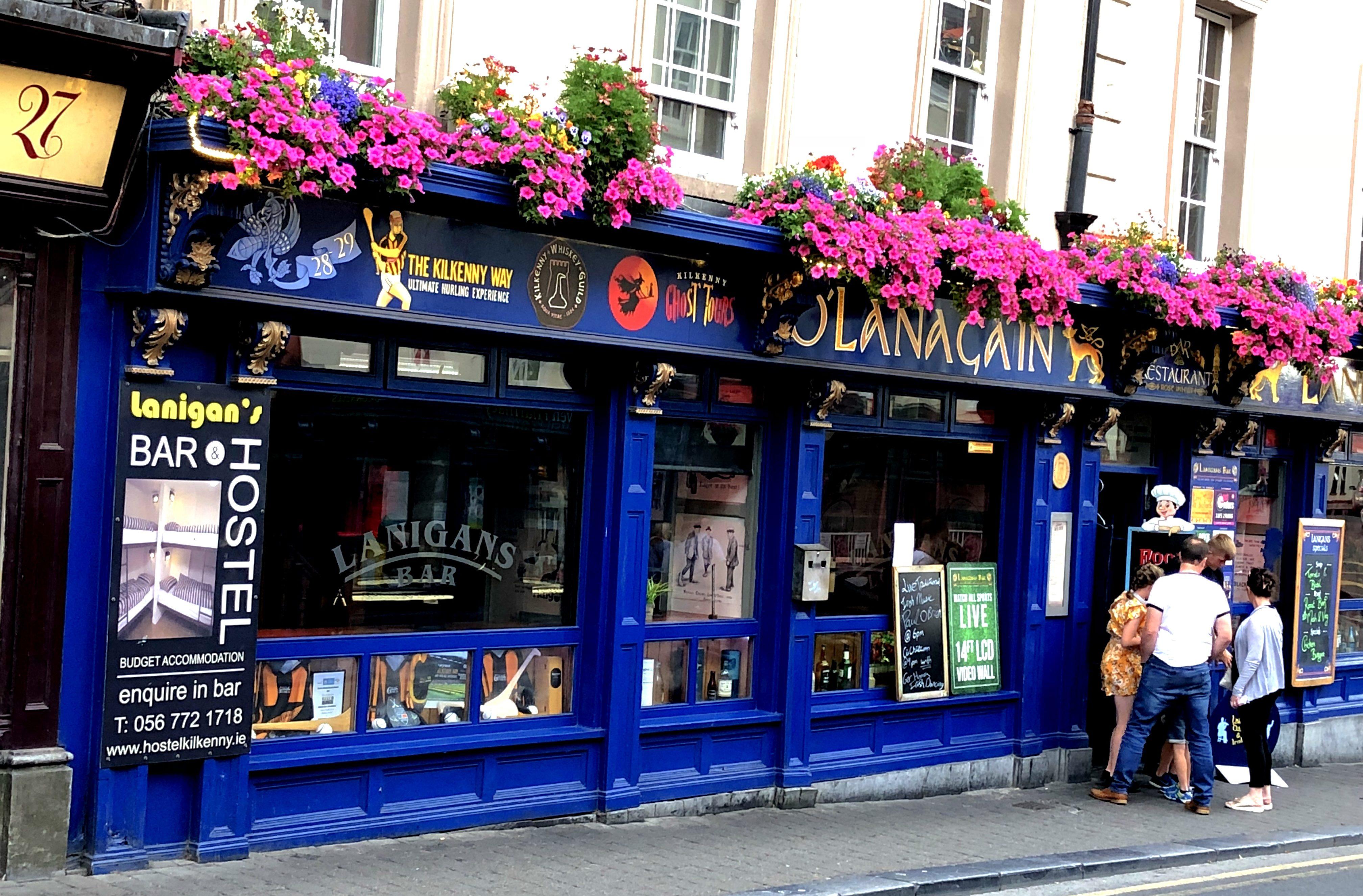 In diesem Pub in Kilkenny trinken wir ein Bier