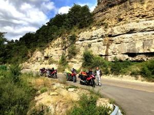 Pause hinter Huesca in den span. Pyrenäen an Fluss Río Guarga