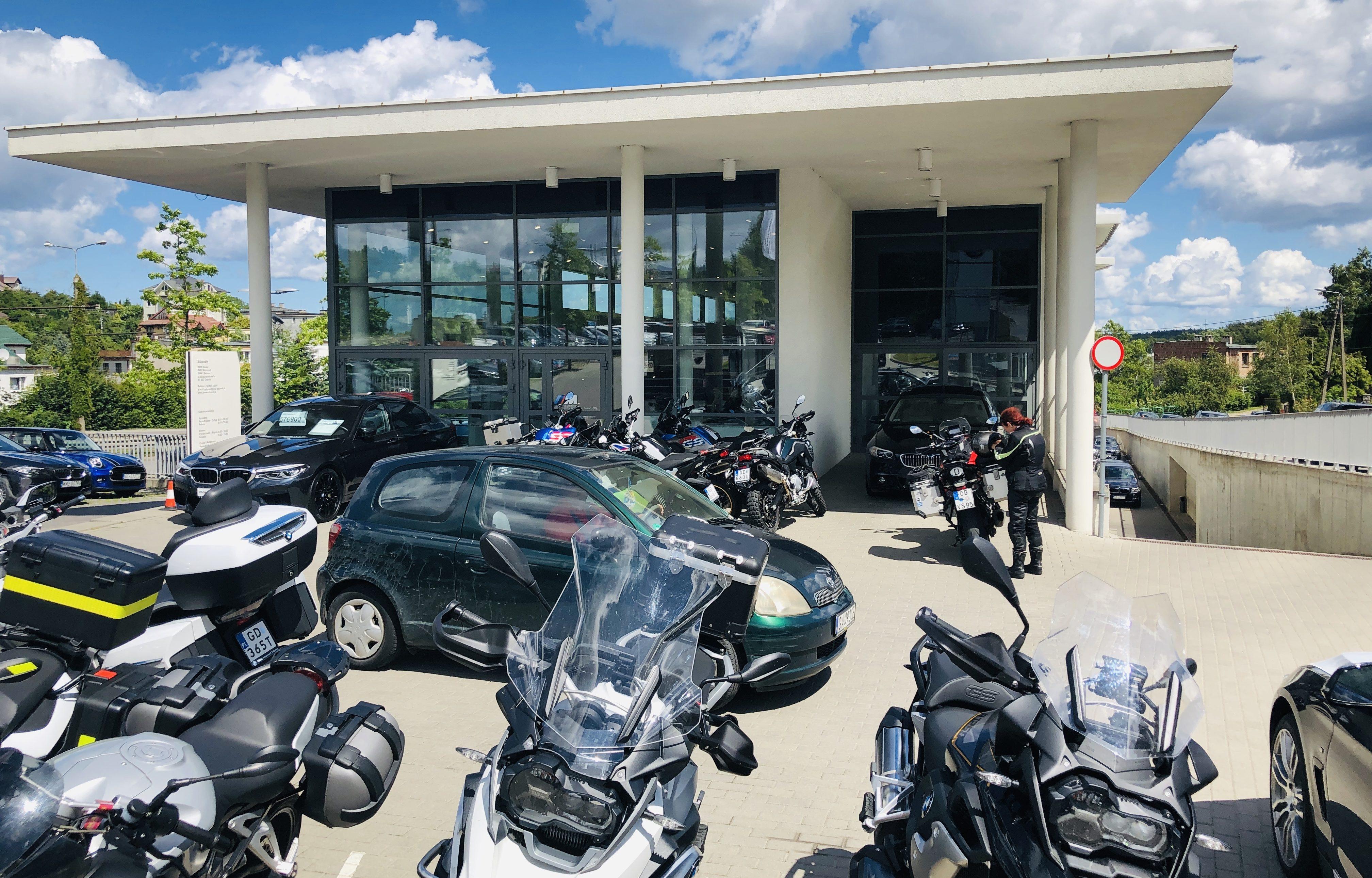 BMW-Werkstatt in Gydina