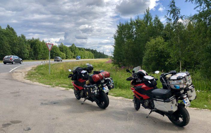 Pause irgendwo auf dem Weg nach St. Petersburg