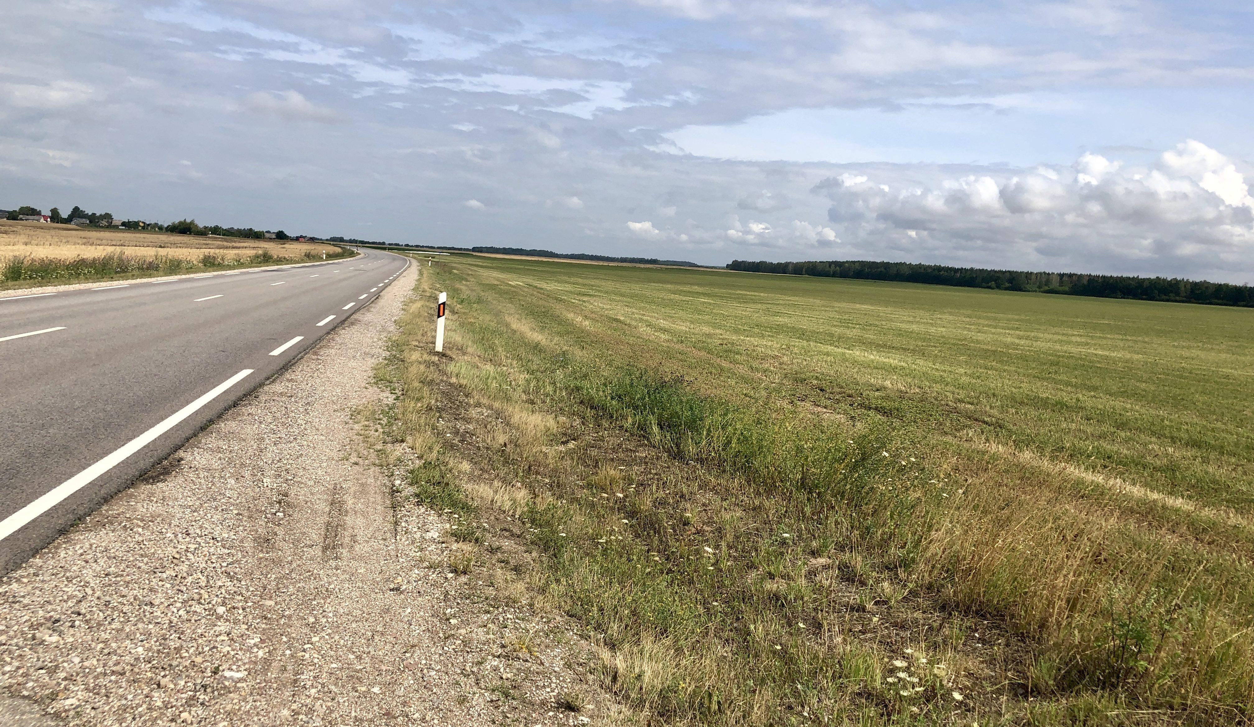 Hügellos in Litauen, zwischen Kaunas und Šiauliai