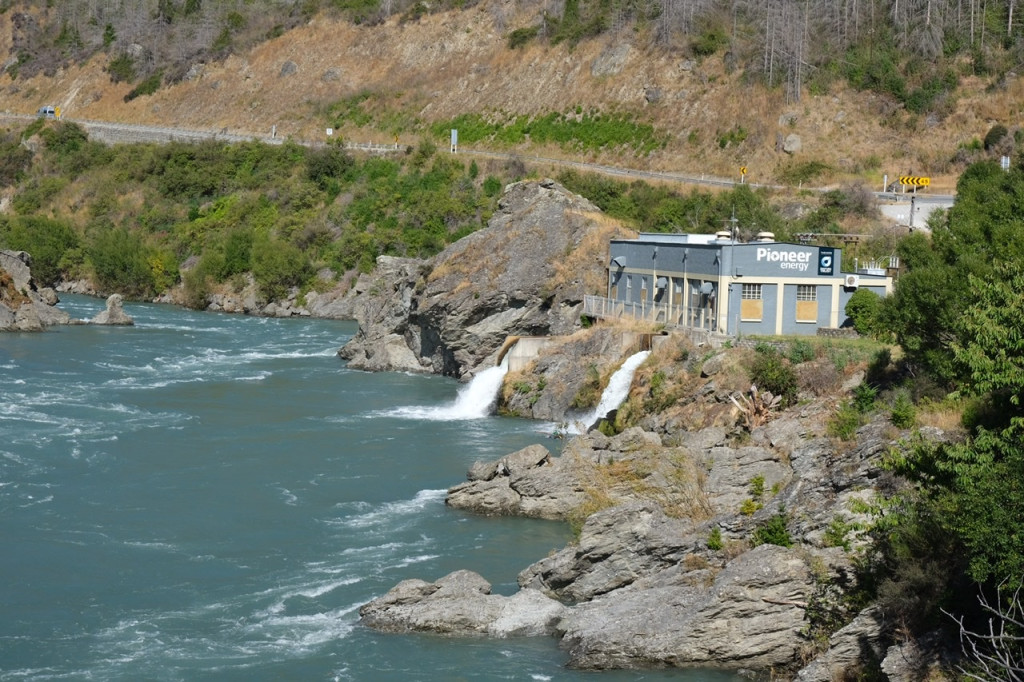 Wasserkraftwerk Roaring Meg am Highway 6