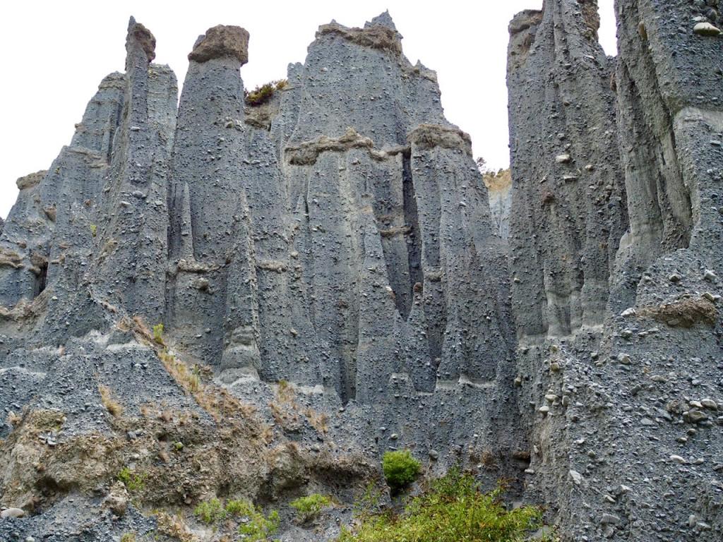 Die Steinsäulen der Putangirua Pinnacles