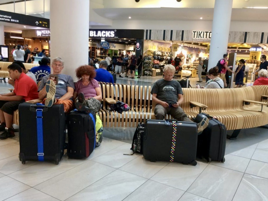 Warten im Airport Auckland
