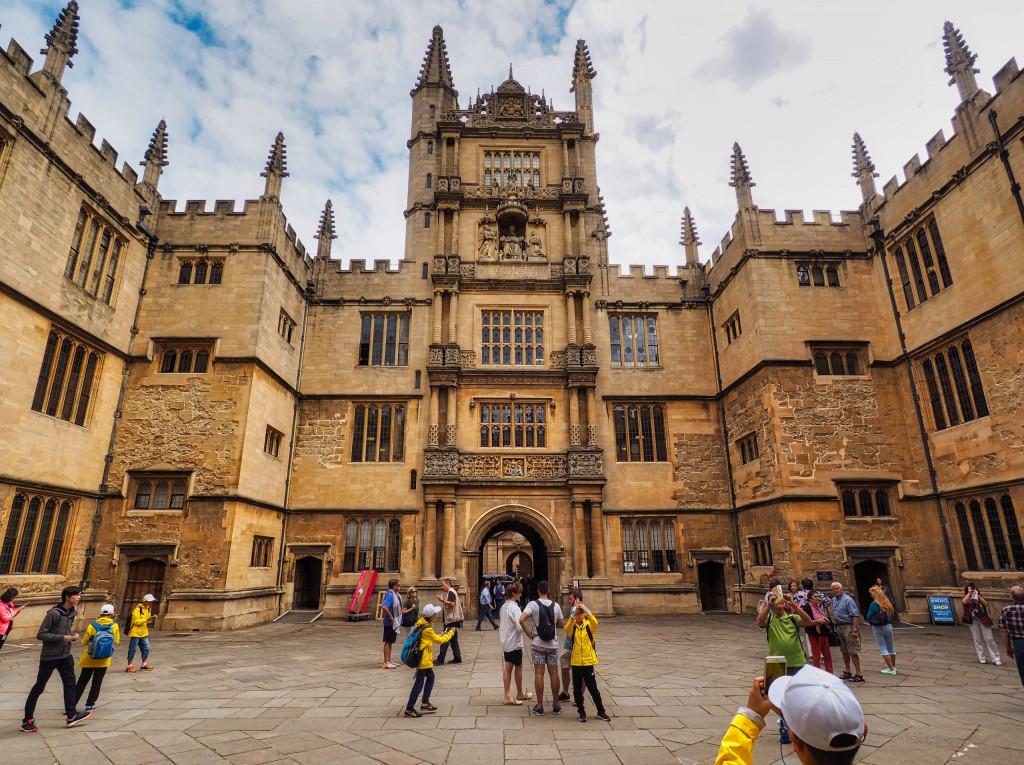 Oxford Bodleian Library (1598), älteste Bibliothek der Welt
