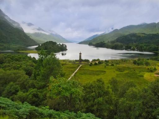 Loch Shiel mit dem Glenfinnan Monument