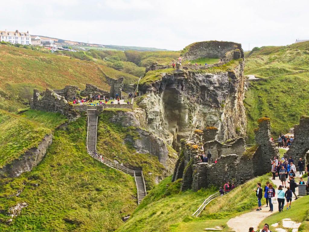 Blick auf die Tintagel-Burganlage