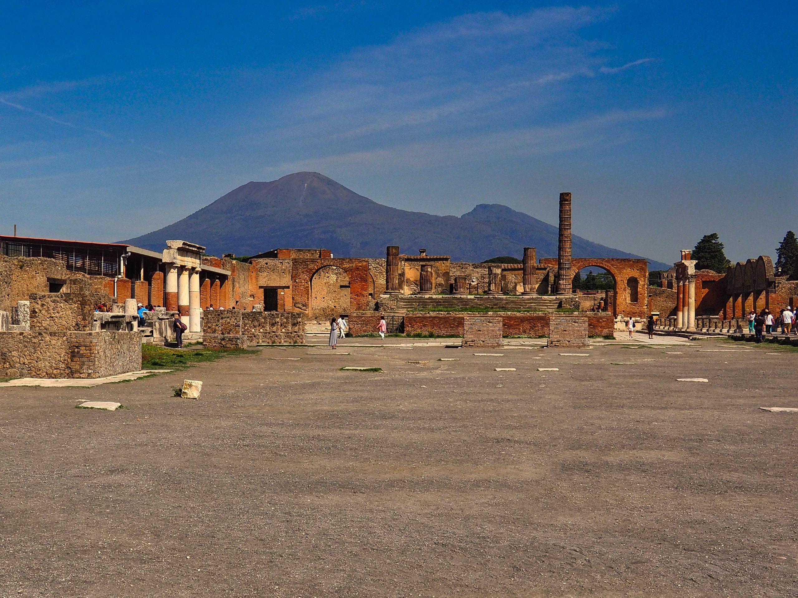 Blick vom Forum auf den Vesuv