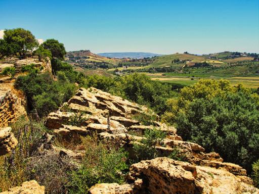 Blick von der alten Stadtmauer ins Hinterland