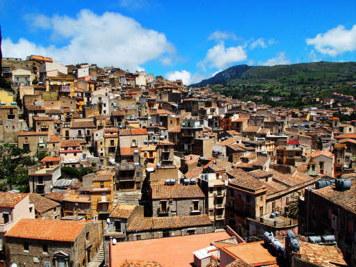 Blick auf den Ort Caccamo