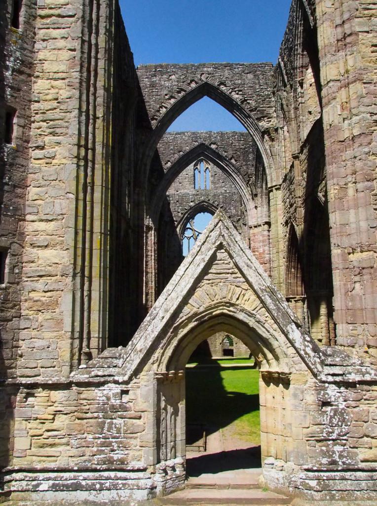 Ansicht von Tintern Abbey am River Wye