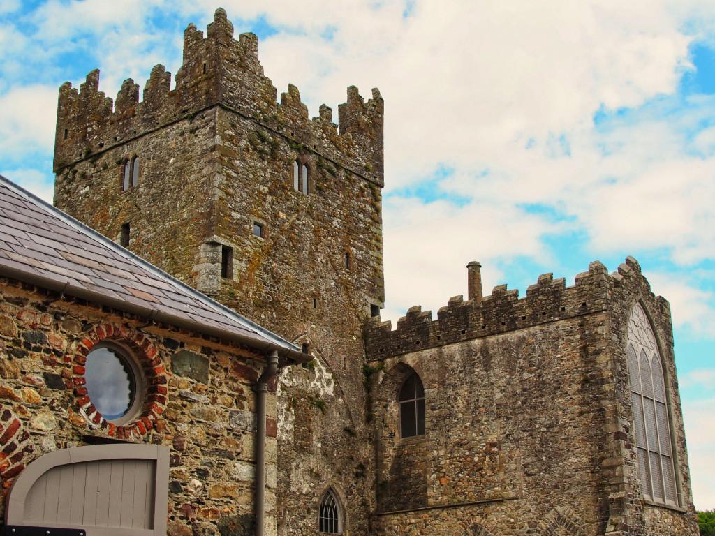 Kreuzturm der Tintern Abbey