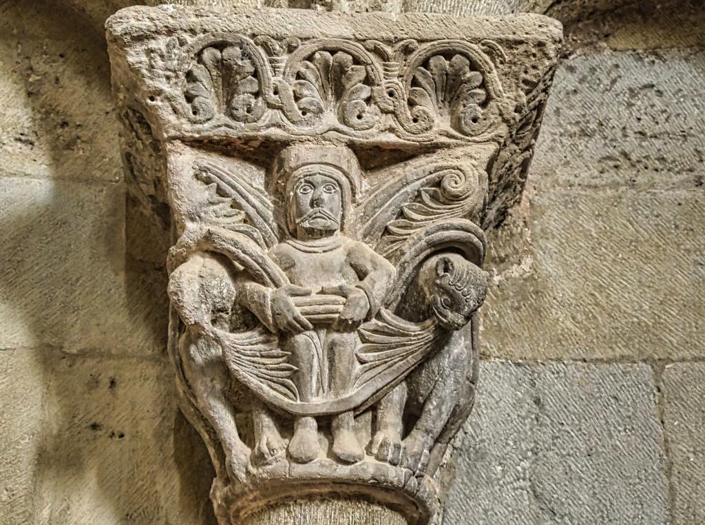 Castillo de Loarre - Kapitel mit biblischen Motiven