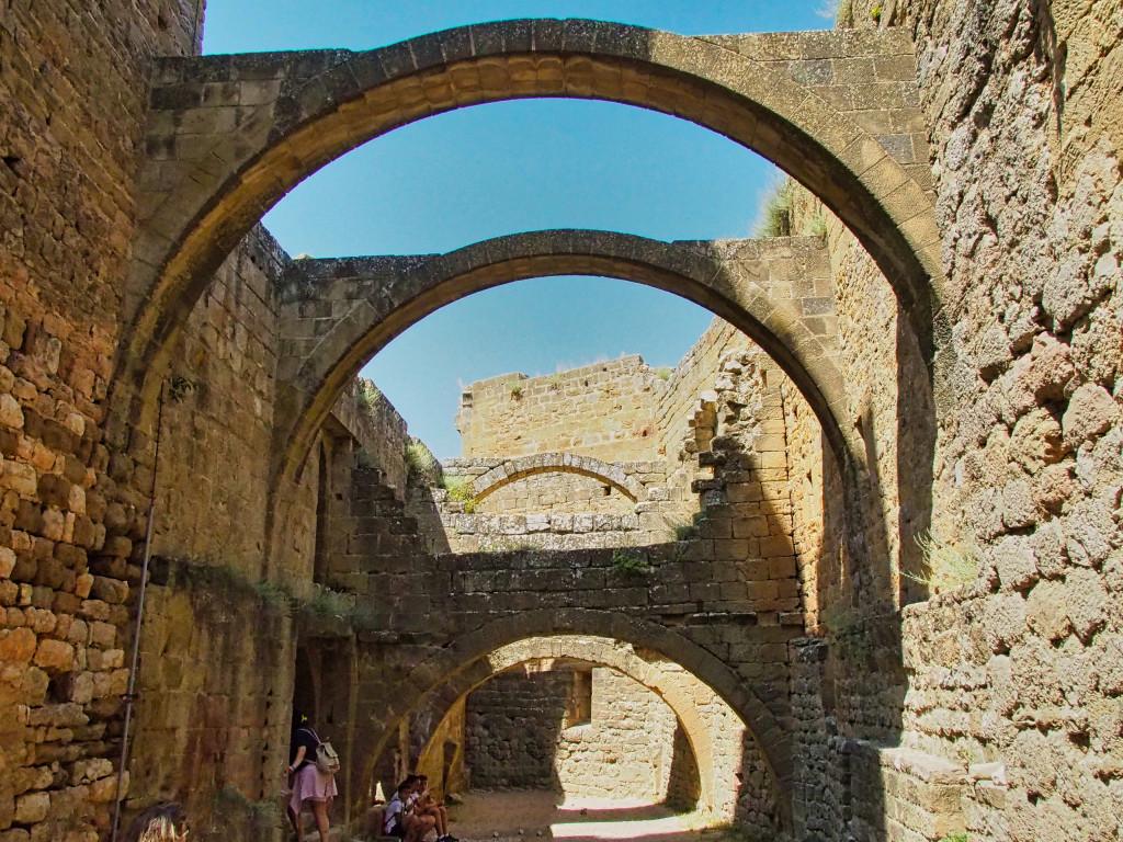 Castillo de Loarre - Haltebögen für die Gebäudeebenen