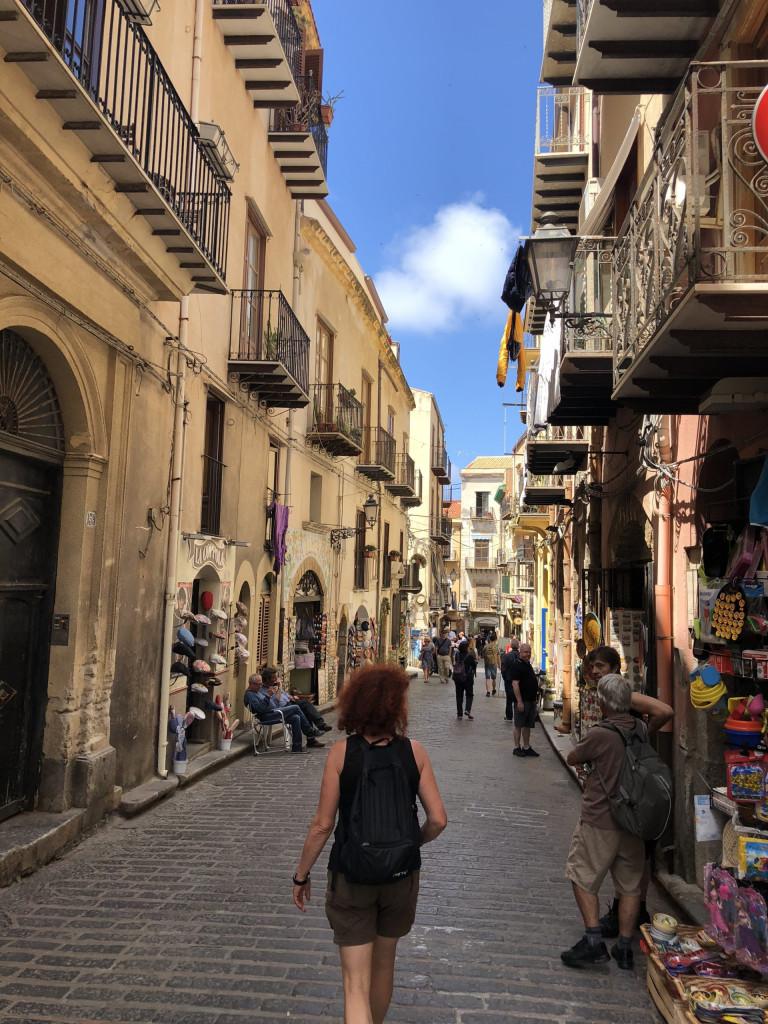 Bummel durch die Straßen von Cefalù