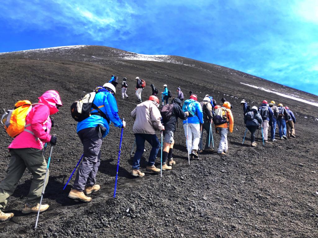 Im Gänsemarsch zum Gipfel