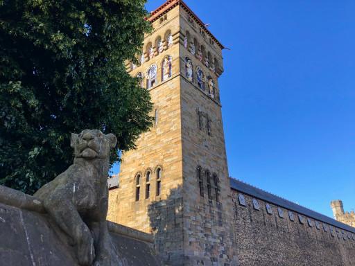 """Cardiff Castle mit der """"Tier""""-Mauer"""