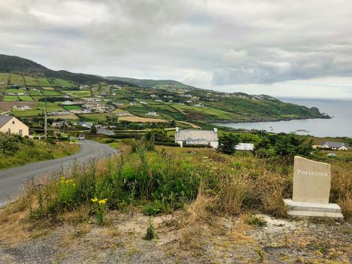 Portaleen an der Nordküste von Inishowen
