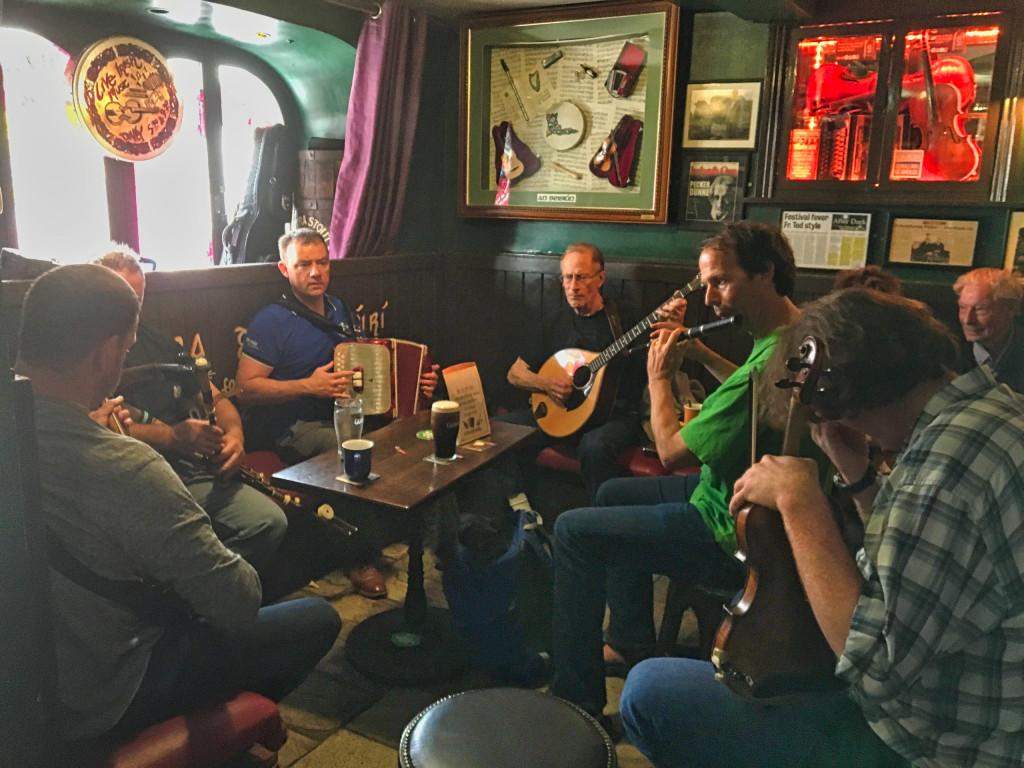 Livemusik im Pub in Galways Quay Street