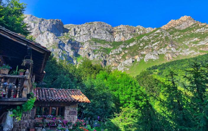 Sicht vom CP auf Fuente De (1078 m)