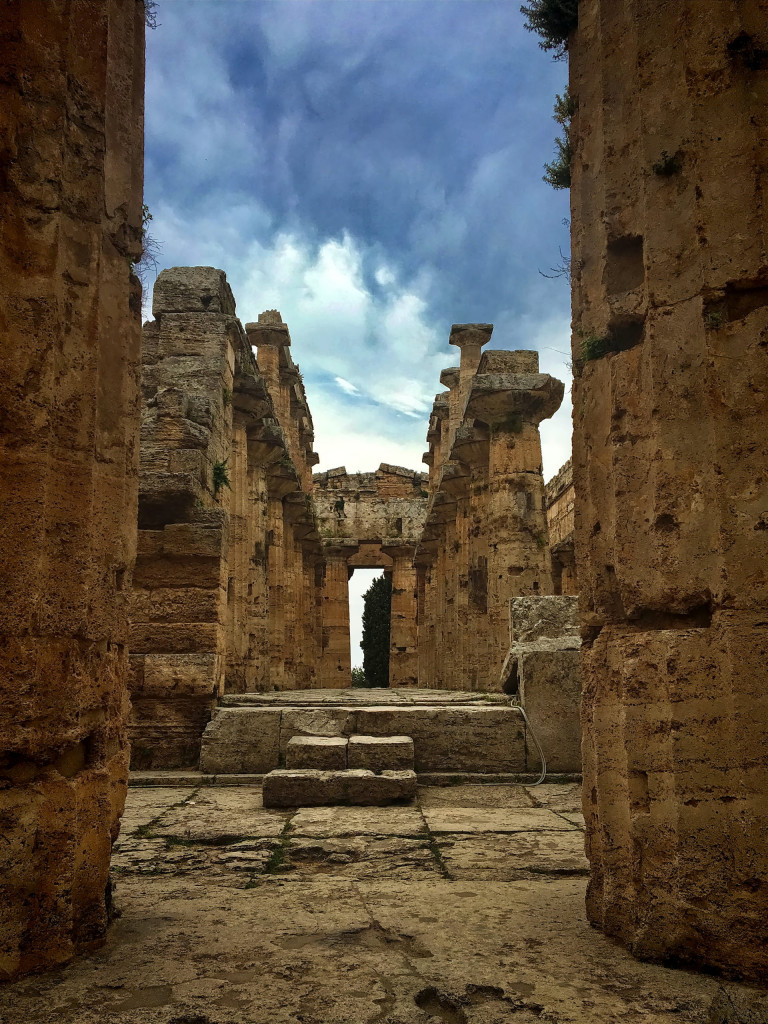 Innensicht des Poseidon-Tempels in Paestum