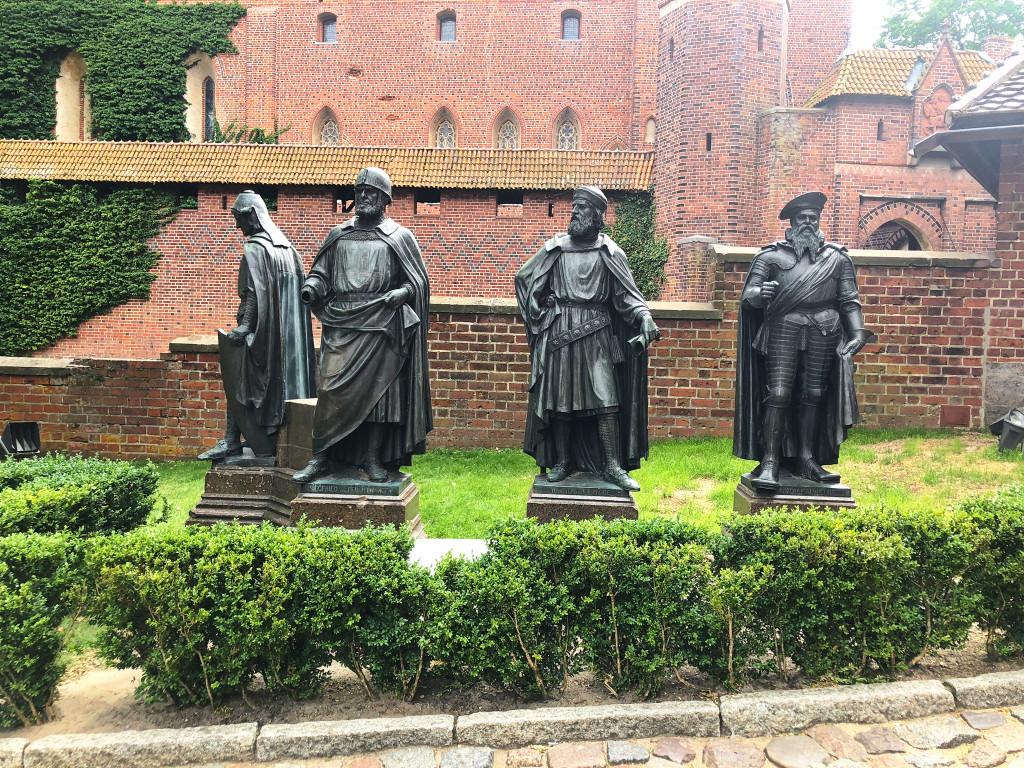 Denkmalgruppe der Hochmeister