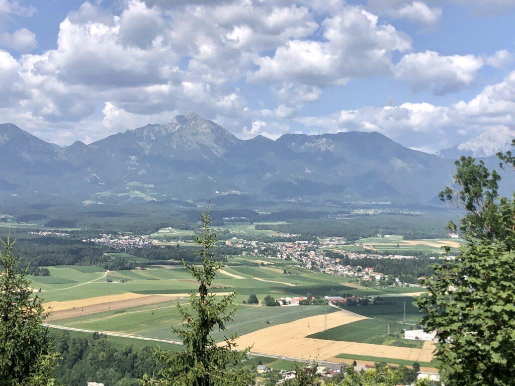 Blick vom Zielpunkt bei Kranj Richtung der Steiner Alpen, Teil der Karawanken