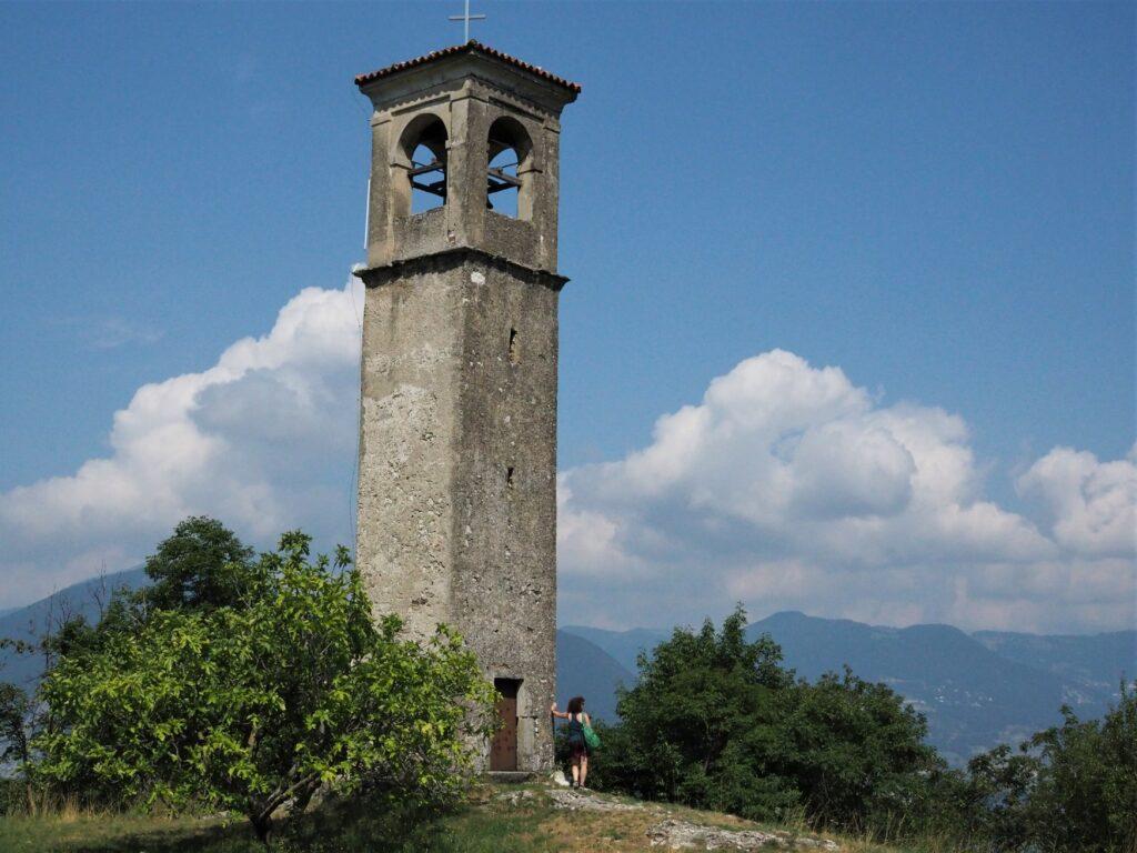 Turm der Kapelle San Fermo