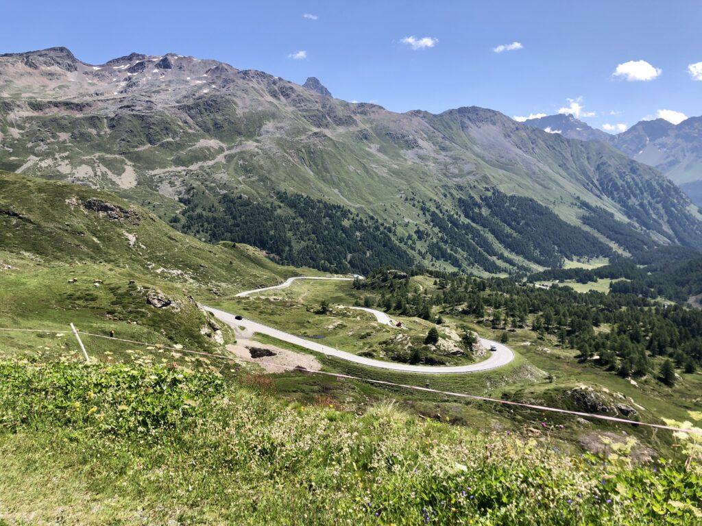 Abfahrt vom Bernina-Pass