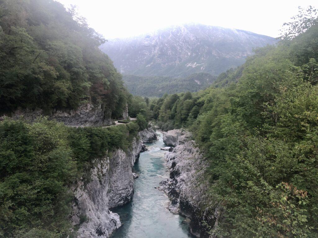 Der Fluß Soca, direkt am CP