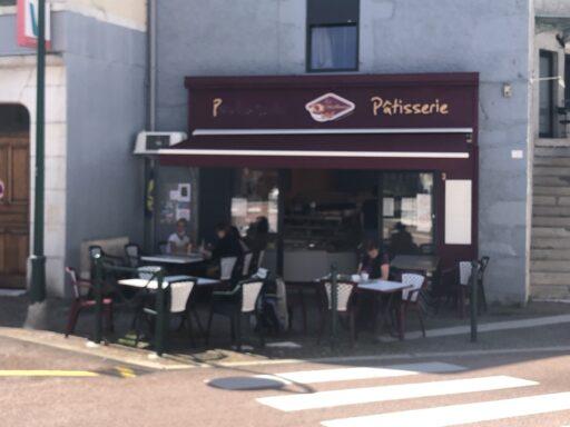 Kaffeepause in Châtillon-en-Michaille