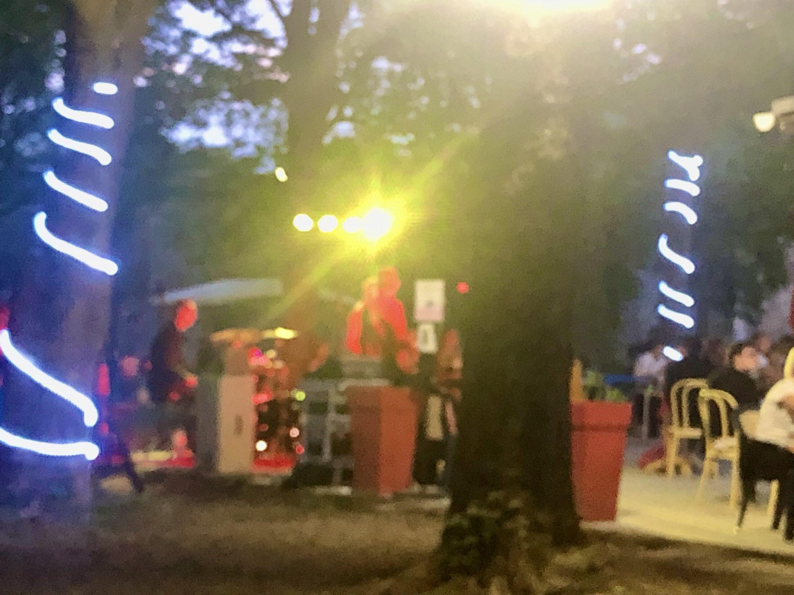 Rock n Roll Band am Flower Camping le Pont du Tarn
